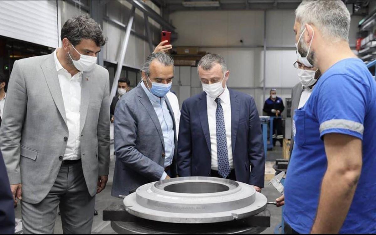 Kocaeli Metropolitan Municipality Mayor Assoc. Dr. Tahir Büyükakın visited our factory.